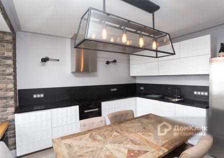 Продаётся 5-комнатная квартира, 168 м²