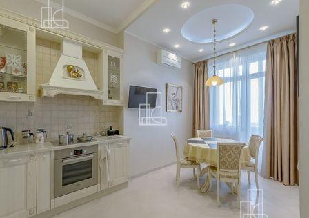 Продаётся 2-комнатная квартира, 112 м²