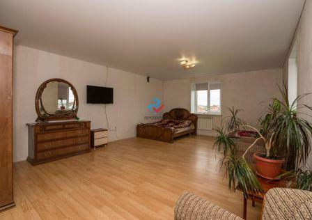 Продаётся 3-этажный дом, 283.6 м²