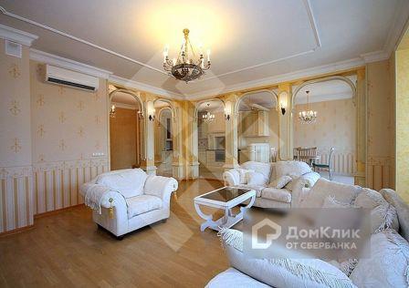 Продаётся 4-комнатная квартира, 195 м²
