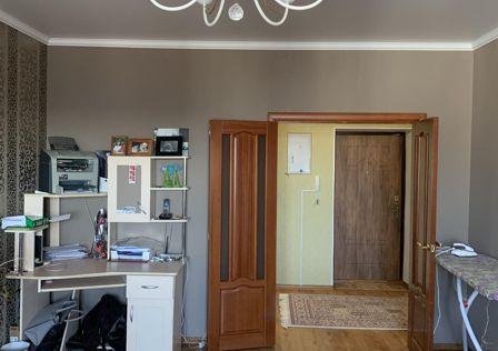 Продаётся 1-комнатная квартира, 49.7 м²