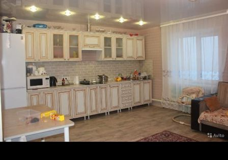 Продаётся 2-этажный дом, 140 м²