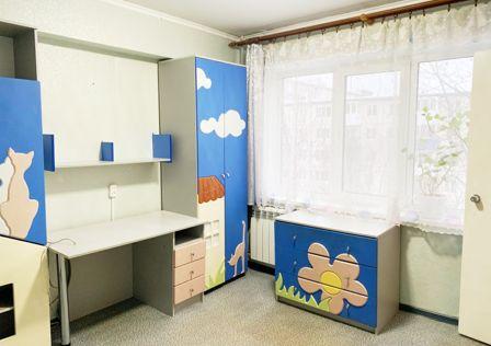 Продаётся 3-комнатная квартира, 49 м²
