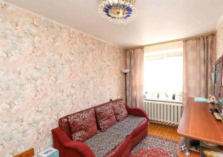 Продаётся 3-комнатная квартира, 52.4 м²