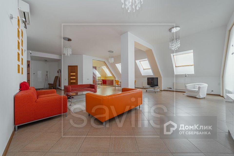 Продаётся 5-комнатная квартира, 223 м²