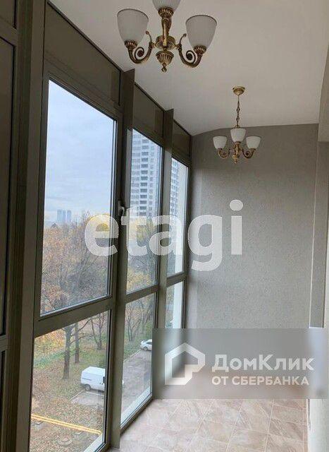 Продаётся 1-комнатная квартира, 57 м²