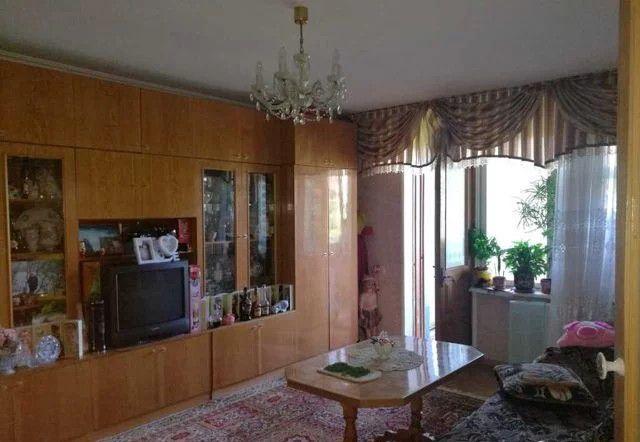 Продаётся 4-комнатная квартира, 76.4 м²